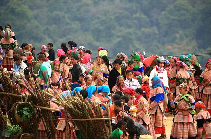 Chợ phiên Điện Biên