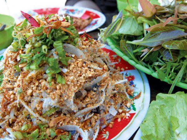 Chưa ăn món gỏi cá nhệch Diêm Điền coi như bạn chưa biết Thái Thụy, Thái Bình.