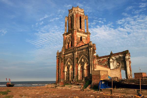 Nhà thờ đổ Hải Lý