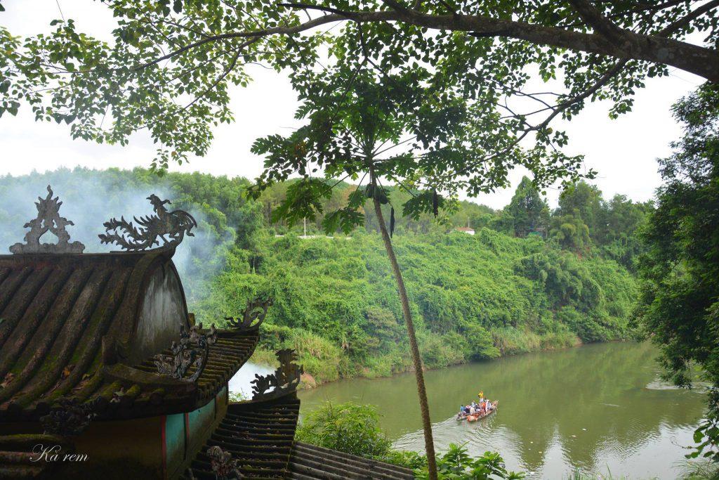Hé mở tín ngưỡng lễ hội điện Hòn Chén: từ giai thoại đến đời sống của vùng đất Thần Kinh post image