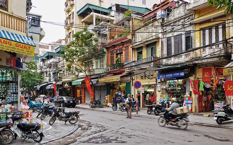 Hà Nội 36 phố phường ngày nay có nhiều phương tiện giao thông hiện đại hơn