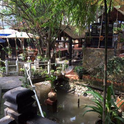 Thềm xưa cafe Bến Lức