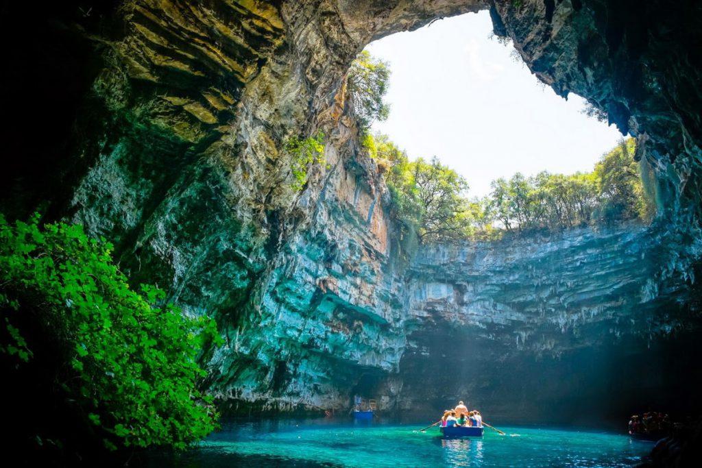 Một cảnh ngoạn mục bên trong hang động Phong Nha