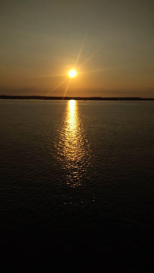 Ánh mặt trời trên biển Tân Tập