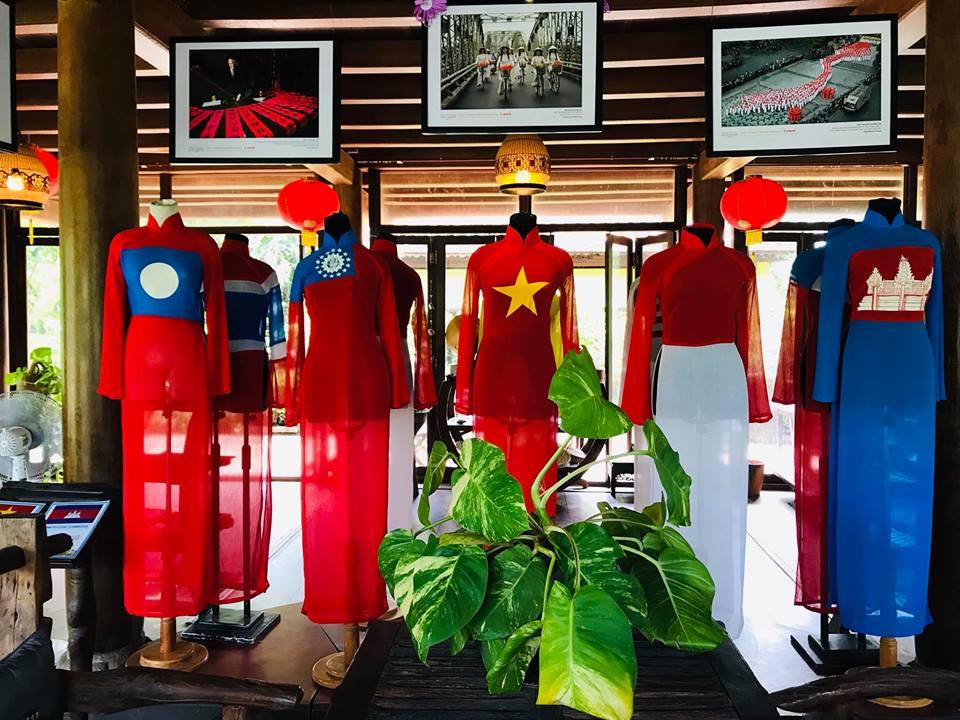 Không chỉ mang vẻ đẹp truyền thống các bộ áo dài tại Bảo tàng còn hướng tới sự hội nhập và phát triển