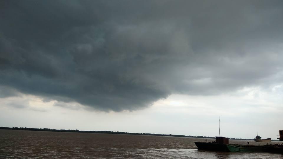 Sự phẫn nộ của bầu trời trên cảng Tân Tập cũng đáng yêu đến thế!