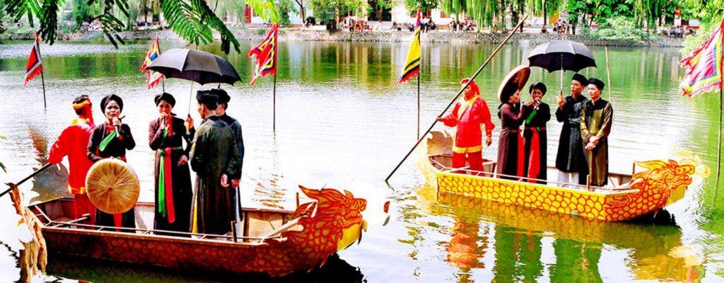 Hát quan họ trên hồ Bán Nguyệt