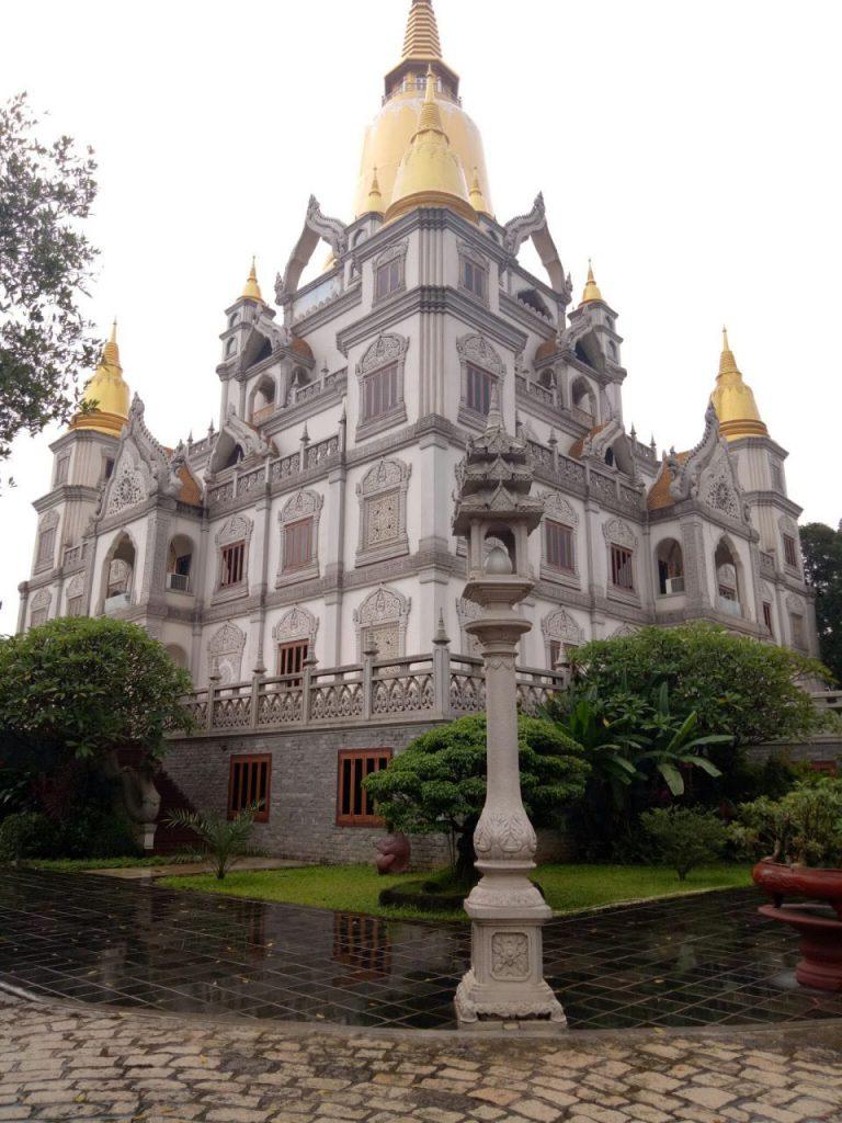 Nét nguy nga, linh thiêng của ngôi chùa Thái Lan này chắc chắn sẽ chinh phục những tâm hồn yêu cái đẹp