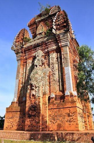 Tháp Cánh Tiên – Tháp Đồng góc trái