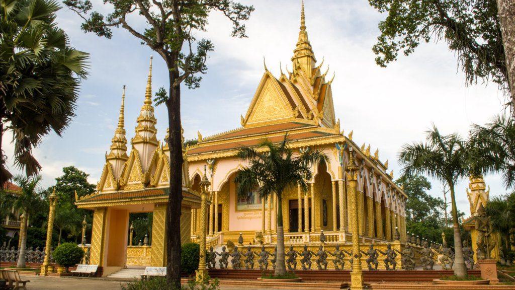 Chùa Cò là một trong những ngôi chùa mang tín ngưỡng Khmer tại Trà Vinh