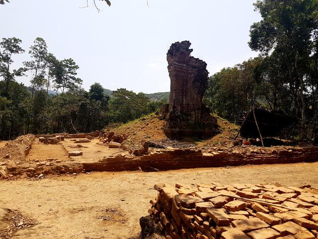 Con đường cổ ở thánh địa Mỹ Sơn được phát hiện bởi các chuyên gia Ấn Độ.
