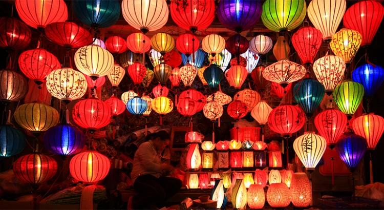 Lồng đèn đầy màu sắc tại Hội An