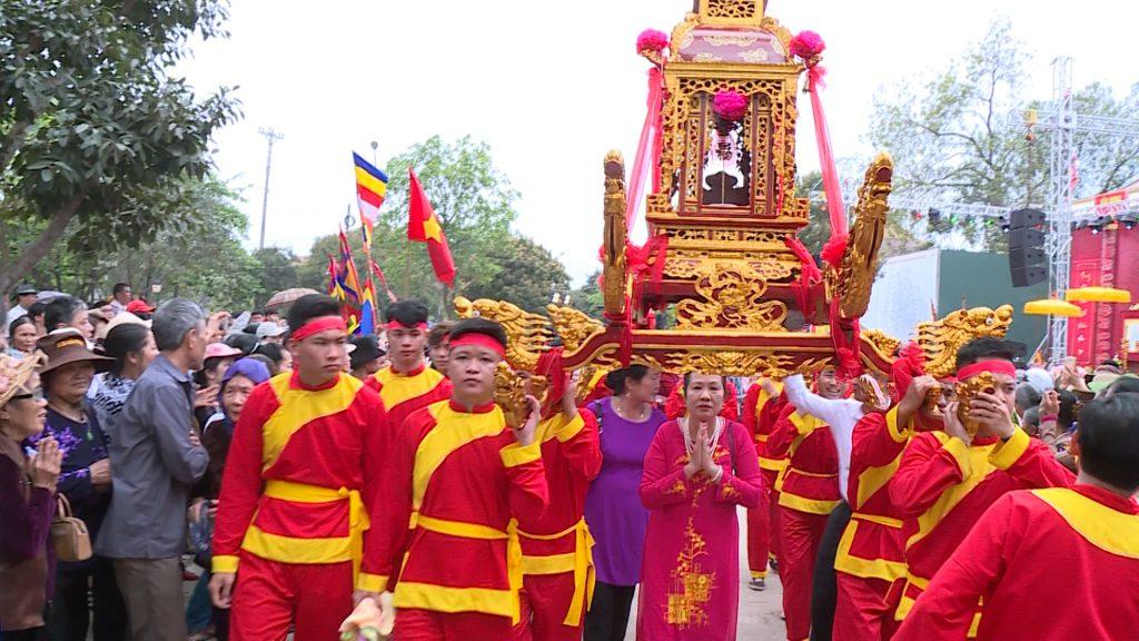 Lễ hội ở đền Sòng Sơn