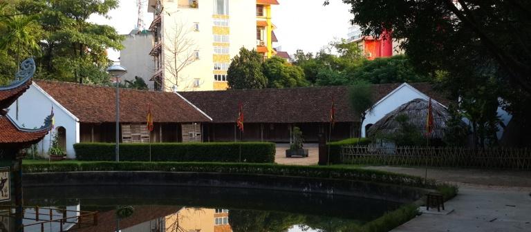 Nhà người Việt