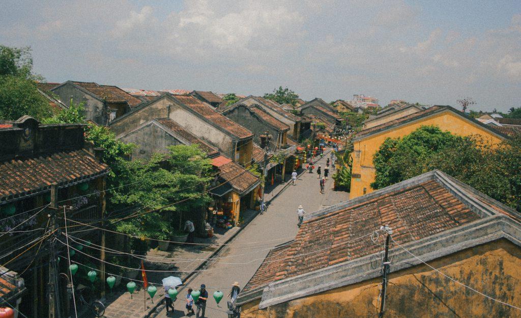Thăm thánh địa Mỹ Sơn ghé về phố cổ Hội An.