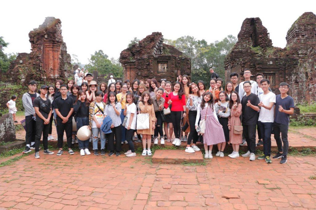 Chuyến đi ngoại khóa của học sinh ở thánh địa Mỹ Sơn