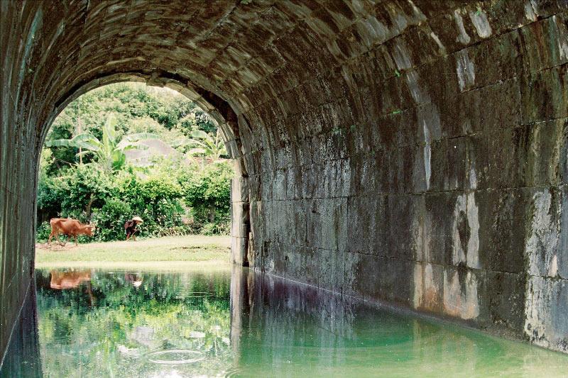 Kiến trúc vòm cuốn của thành nhà Hồ