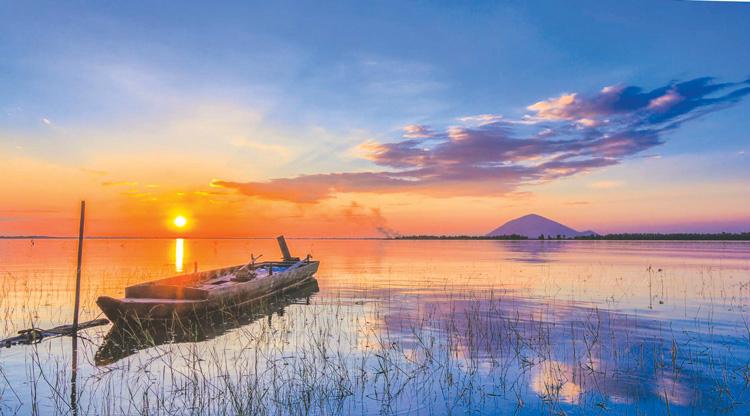 Hồ Dầu Tiếng vào những buổi chiều
