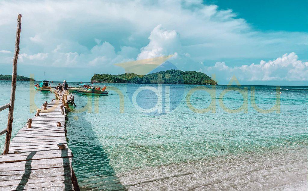 Hòn Mây Rút Trong tại Phú Quốc với bãi biển dài thoai thoải.