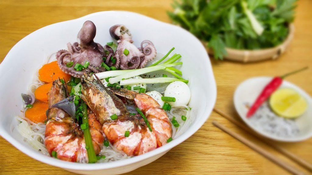 Hủ tiếu hải sản Phú Quốc.