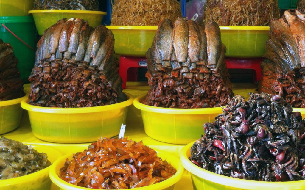 Không có loại mắm nào có thể qua được các loại mắm ở chợ Châu Đốc.