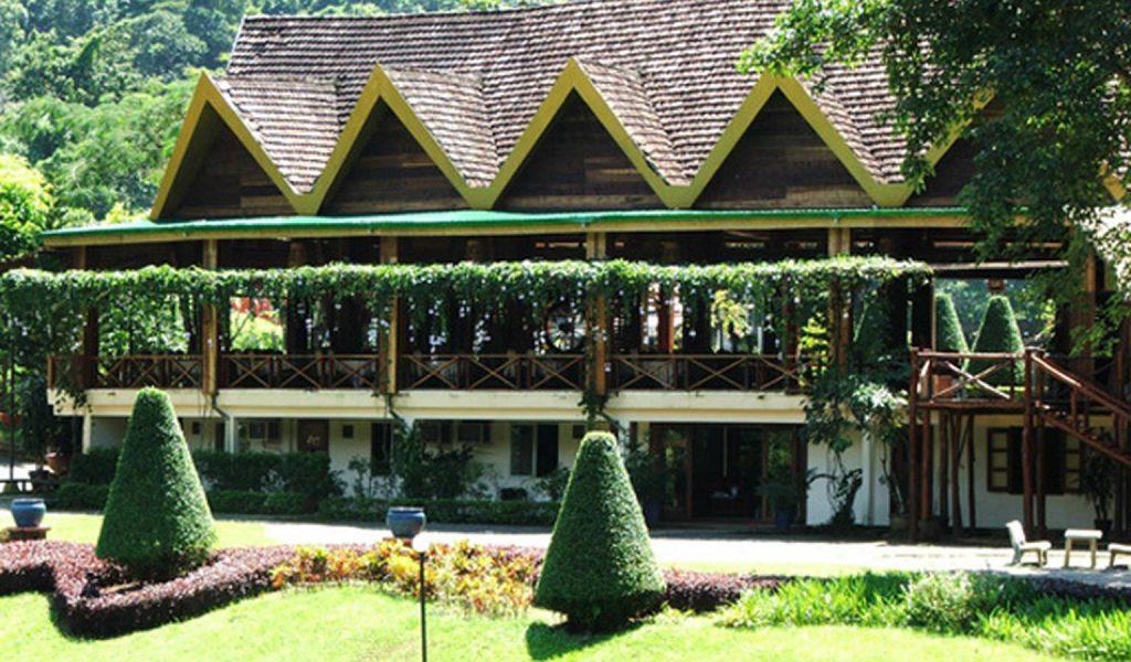 Nhà hàng Trà Mai Vàng thích hợp với những buổi tiệc ngoài trời và gala dinner.