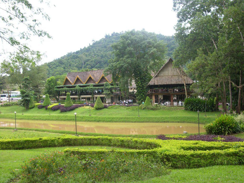 Phòng nghỉ ngay giữa rừng núi Madagui.