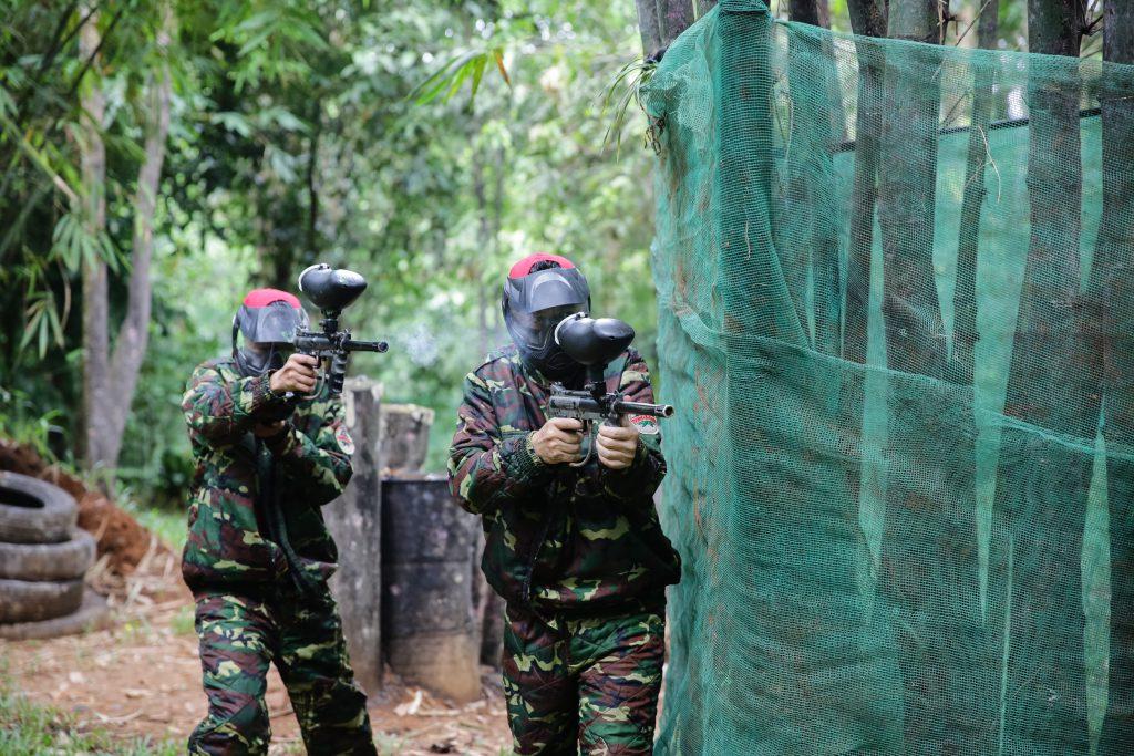 Lập team bắn súng sơn tại Madagui.
