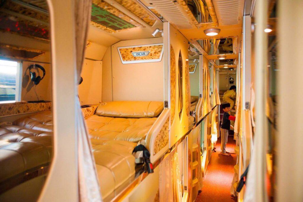 Xe Nguyễn Kim Limousine đi Đà Lạt.