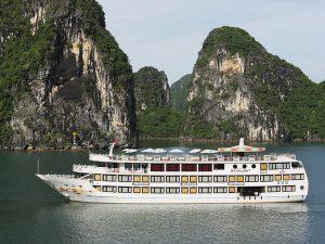 Tổng hợp review, đánh giá du thuyền Hạ Long thumbnail