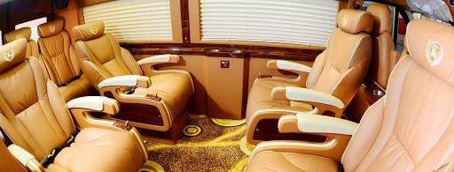 Xe Hava Sapa Limousine đi Sapa.