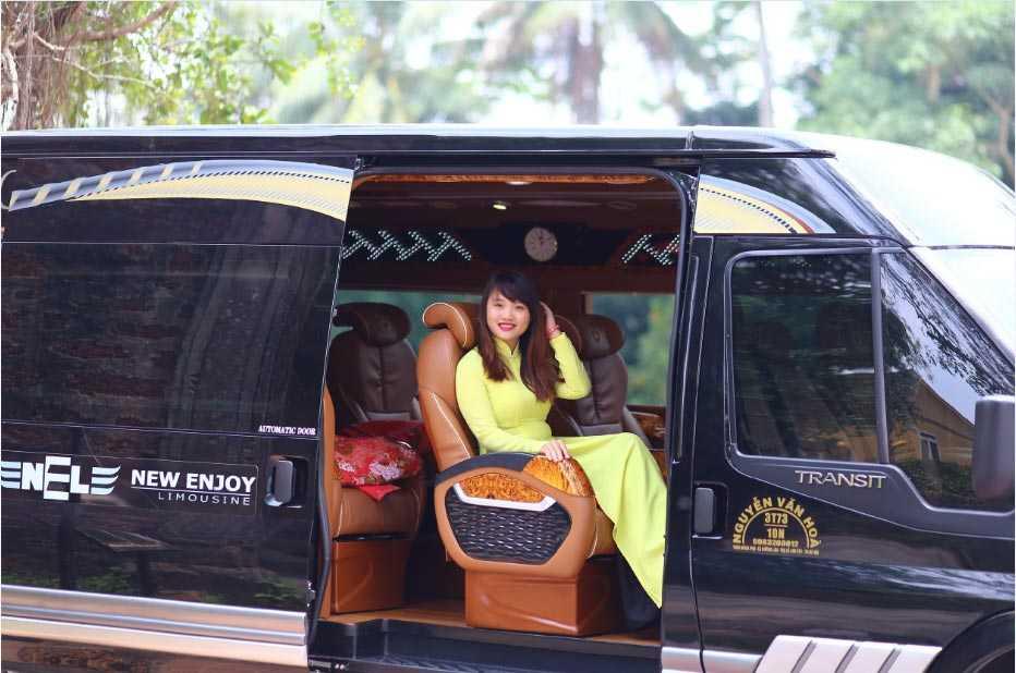 Xe New Enjoy Limousine đi Lào Cai.