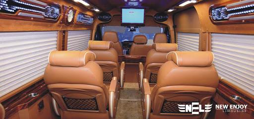 Xe New Enjoy Limousine đi Sapa.