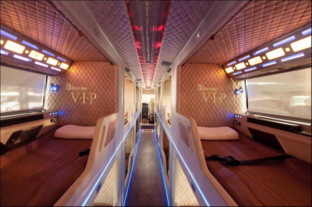 Xe Nhà VIP Limousine Sài Gòn đi Nha Trang.