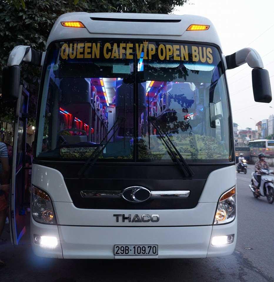 Xe Queen Café đi Lào Cai.